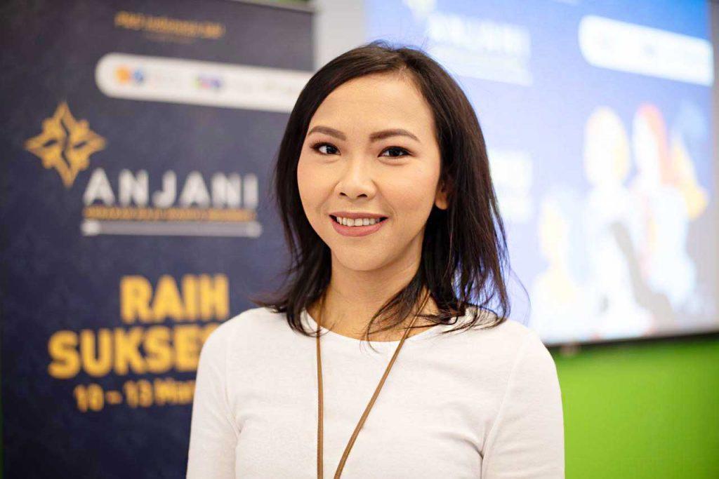 Dinda Kusumawardani, Geluti Karir Bidang Komunikasi di Jamak Sektor