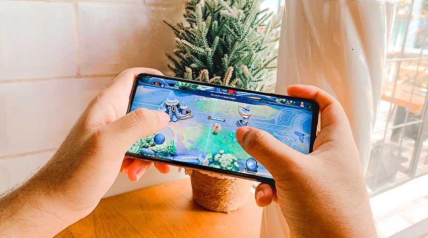 Galaxy A52s 5GJadi Official Smartphone Piala Presiden Esport dan Mobile Legends Professional League 2021